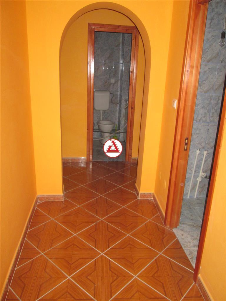 3 Camere Zona Orizont, Bacau