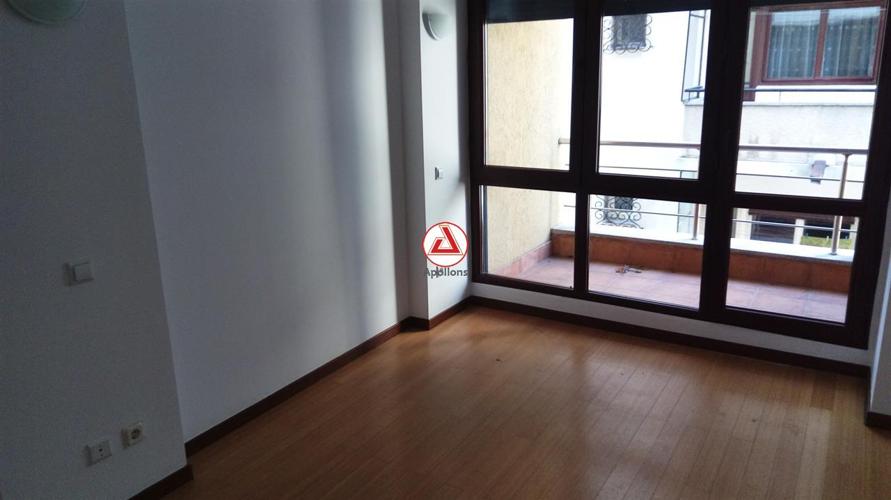 Apartament de 3 camere decomandat in imobil nou langa Cismigiu