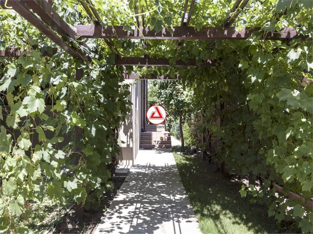 Vanzare Vila Drumul Taberei  Valea Oltului, comision 0%.
