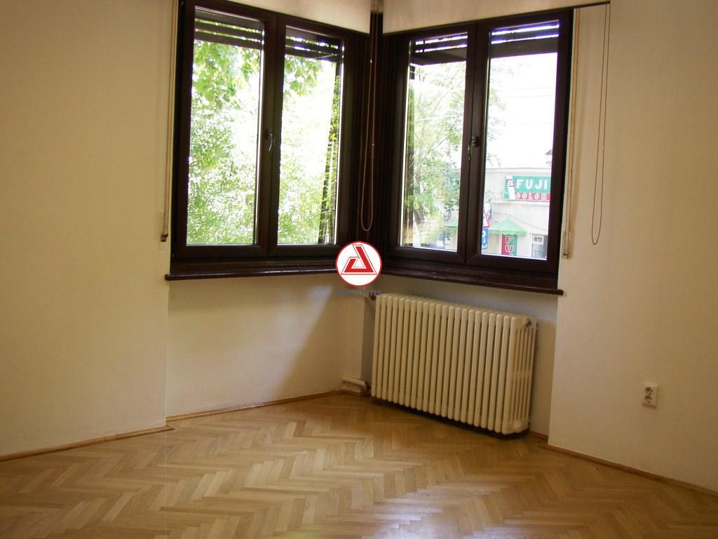 Dacia Ambasade, ideal cabinete, birouri, intrare separata
