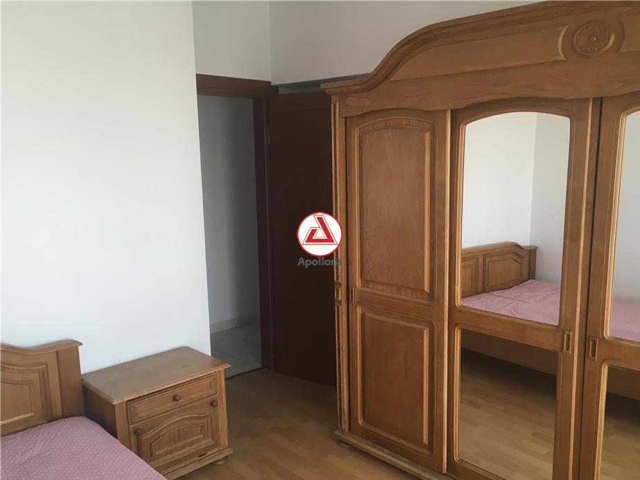 Vanzare apartament 4 camere Calea Calarasilor