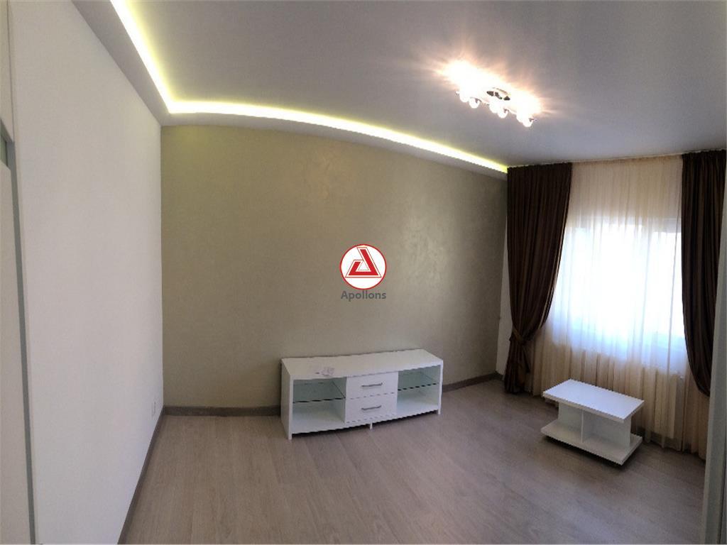 Vanzare apartament 3 camere, 13 Septembrie  Liceul Odobleja