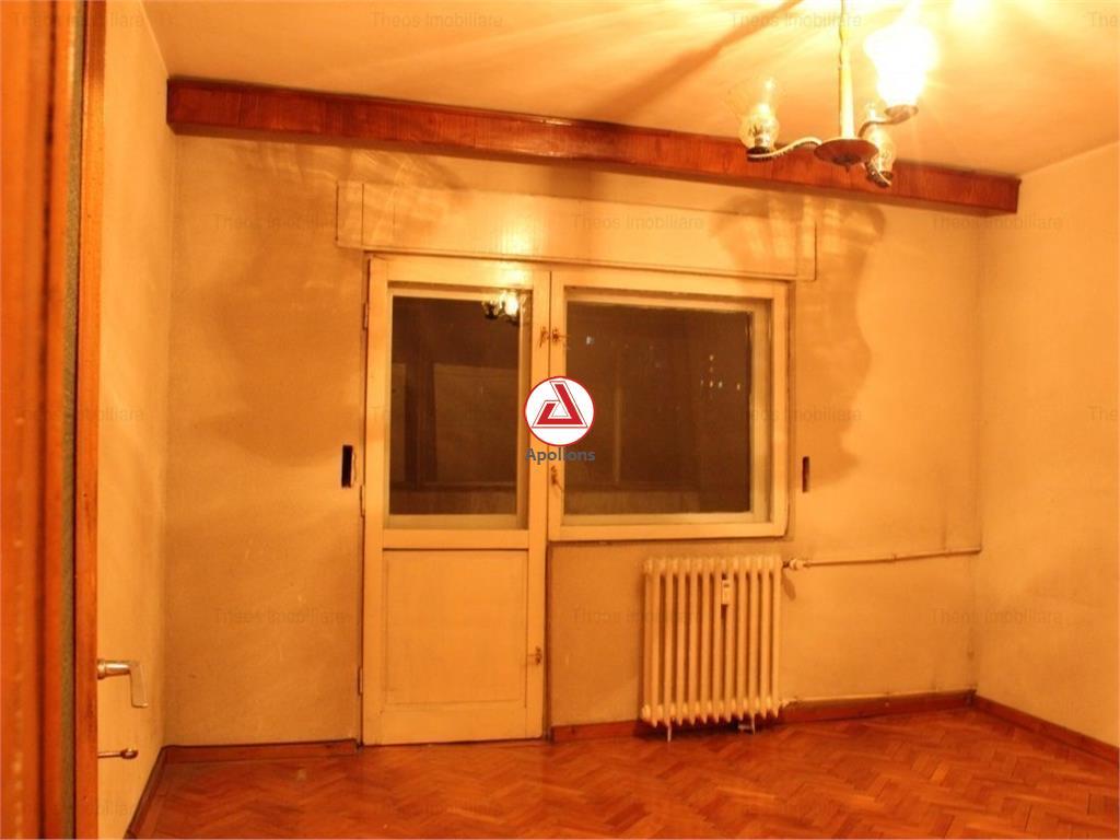 Oferta vanzare apartament 3 camere  Bulevardul Decebal