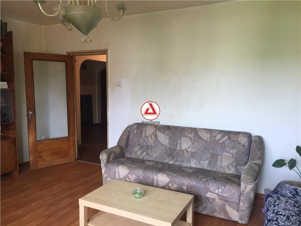 Vanzare apartament 4 camere, hol H, Drumul Sarii  Liceul Ion Barbu