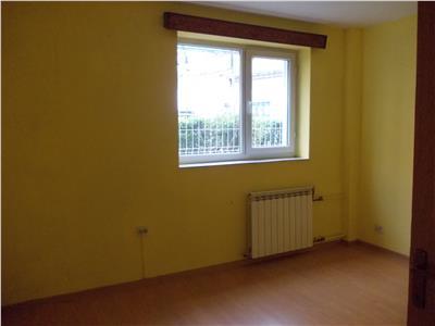 Inchiriere apartament  3 camere in Ploiesti, zona Ultracentral