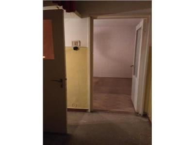 Vanzare Apartament Vest - Lamaita, Ploiesti