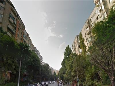 Vanzare apartament 4 camere Calea Vacaresti stradal
