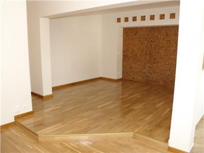 Oferta vanzare apartament 4 camere Calea Calarasilor