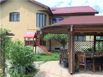 Vila Centru Domnesti, toate utilitatile , piscina, 1800 mp teren