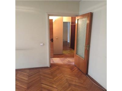 Dorobanti- Beller, ideal investitie, 2 camere- decomandat, in bloc 1987