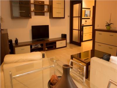 Unirii- Tribunal, 3 camere in bloc 2008, garaj, ideal investitie