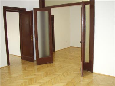 Dacia- Ambasade, ideal cabinete, birouri, intrare separata