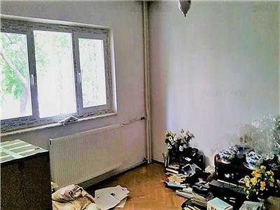 Vanzare apartament 4 camere zona Nerva Traian