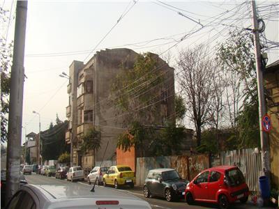 Eminescu- Dacia, teren pentru P+5E