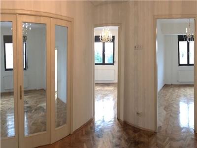 Vanzare Apartament 3 camere, Piata Dorobanti