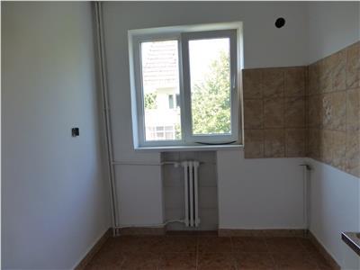 Oferta apartament, Decomandat. zona RMB Bacau