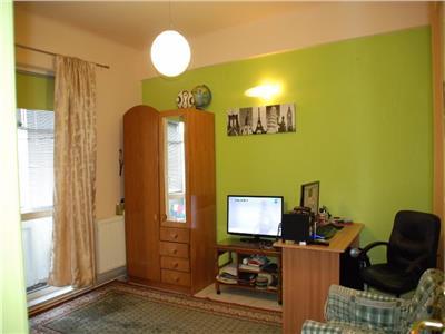 Vanzare Apartament 3 camere, Universitate,