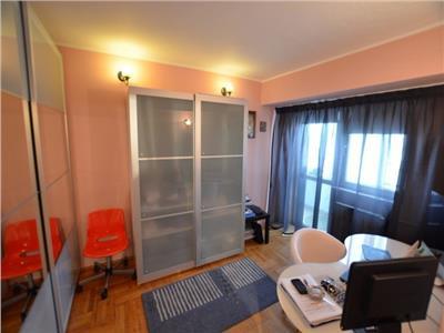 Vanzare apartament 3 camere Bulevardul Unirii