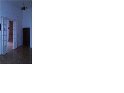 Apartament 4 camere, intrare separata, Cismigiu