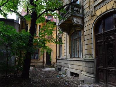 Mosilor Vechi,casa cu teren pentru investitie
