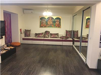 Vanzare apartament 3 camere Gara de Nord, bloc reabilitat.