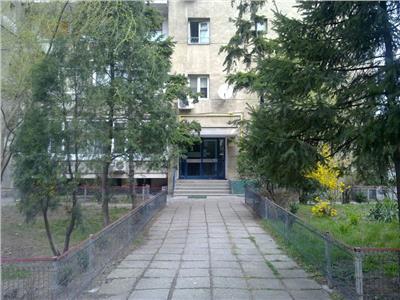 Carol- Mantuleasa, 2 camere, cu garaj