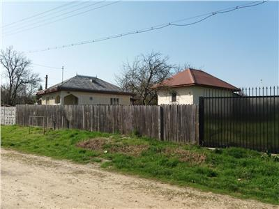 Casa, teren 6000mp in Itesti.