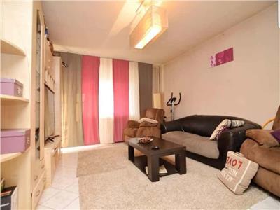 Oferta vanzare apartament 4 camere zona Decebal