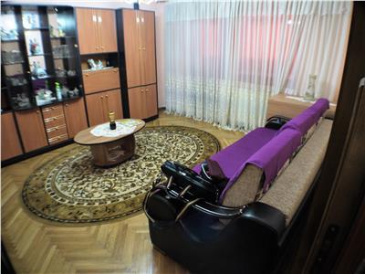 Inchiriere apartament 3 camere decomandate Cornisa, Bacau