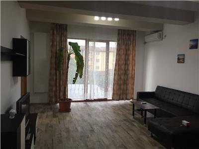 Apartament 3 camere cu curte Berceni