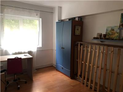Apartament 3 camere Stefan Cel Mare