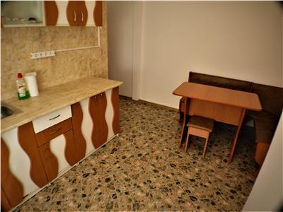 Apartament 2 camere decomandate,Tic-Tac, Bacau