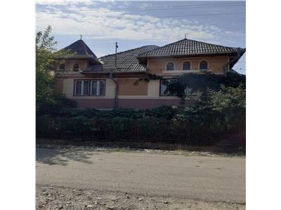 Vand casa in Mariselu
