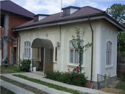 Casa pretabil sediu/locuit- Izvoare, Bacau