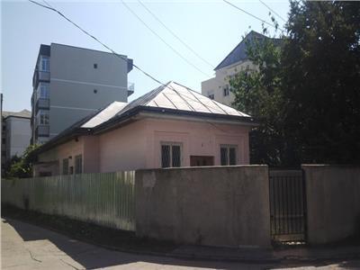 Casa caramida - necesita renovare - zona Mioritei