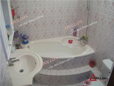 Vanzare apartament 4 camere Bacau, zona Cora